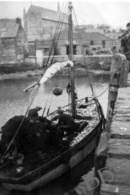 Boats trawlers drift nets and fish beara peninsula for Drift net fishing